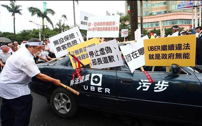 還不知檢討!整天抱怨「要抵制Uber」的台灣小黃司機,看看日本計程車業者是怎麼用服務逼退Uber!