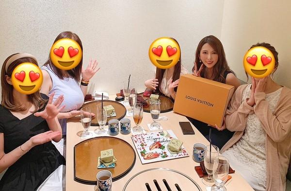 波多野結衣慶生33歲!驚見「5大咖」同框吃燒肉…網嗨翻:想一起吃